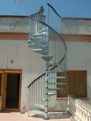 escalera de caracol de hierro galvanizada para exteriores marca conocida y de gran prestigio en el